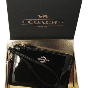 Coach black patent leather wristlet 💫